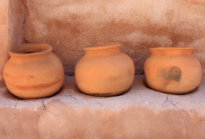 three-earth-pots-640